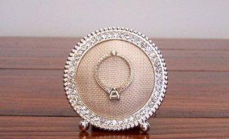Engagement Ring Holder