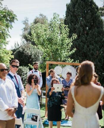 Why You Should 'Un-Plug' Your Wedding