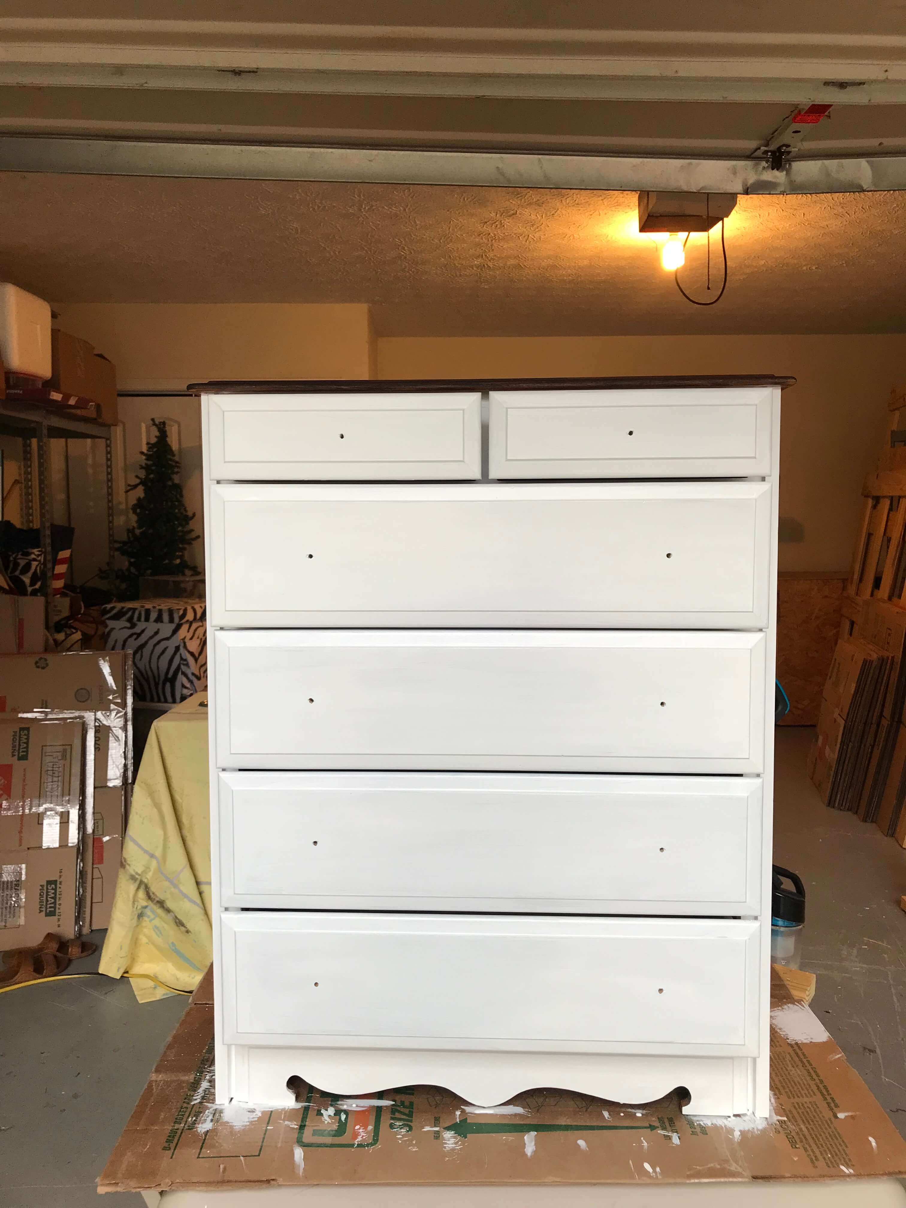 Farmhouse Guest Room Dresser Transformation / DIY Furniture Flip Before + After
