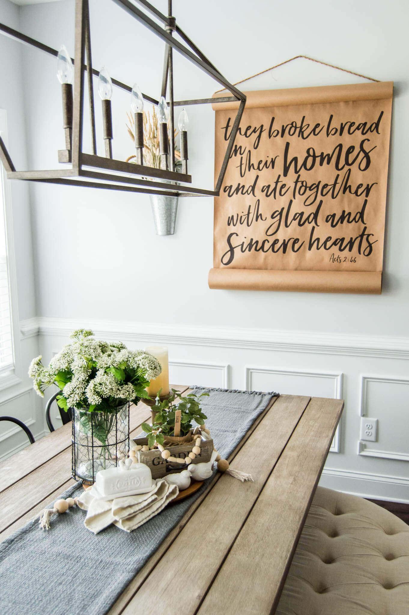 Springtime Farmhouse Table Centerpiece // Spring Farmhouse Decor