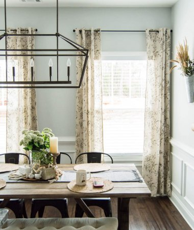The Perfect Farmhouse Floral Curtains // My Top Curtain Hanging Tips and Hacks