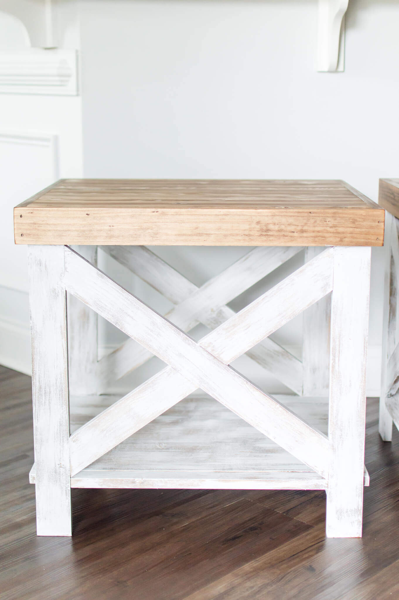 Handcrafted Farmhouse End Tables // DIY Farmhouse End Tables // A Hosting Home Decor