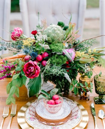 French Country Farmer's Market Wedding Inspiration // The Shed at Westover Farms Wedding Styled Shoot