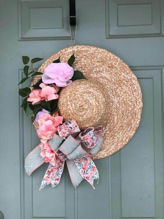 Straw Hat Wreath Inspiration / A Hosting Home Blog