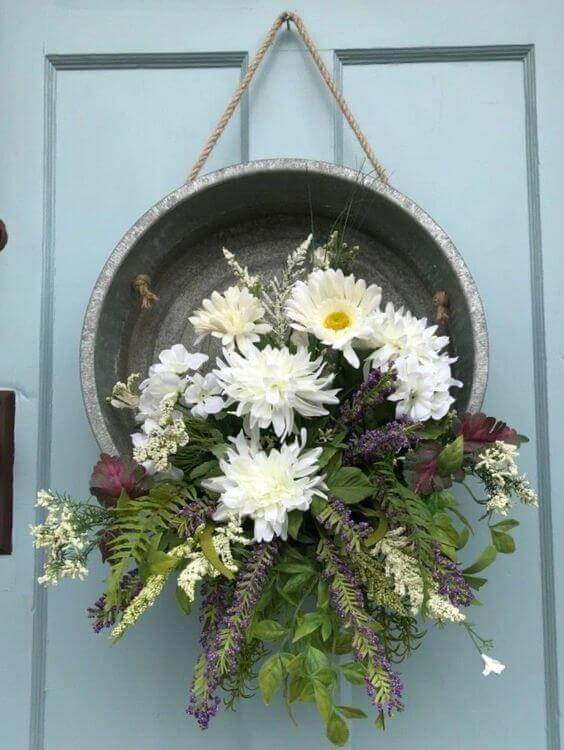 Galvanized Bucket Wreath Inspiration For Summer / A Hosting Home Blog