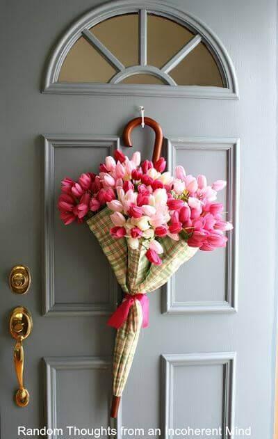 Umbrella Wreath Inspiration / A Hosting Home Blog