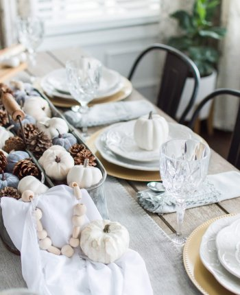 Your Hostess Guide to Survive Hosting Thanksgiving / A Hosting Home Blog
