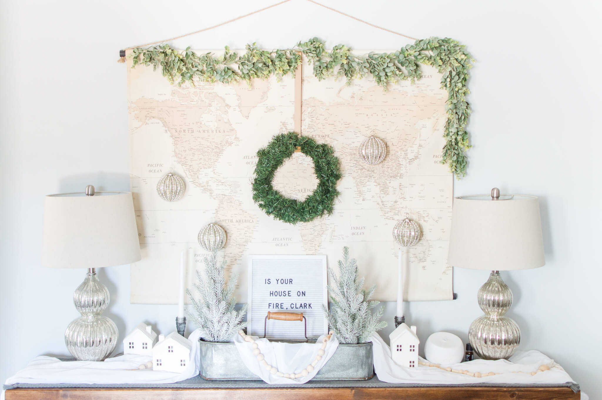 Neutral Christmas Console Table / A Hosting Home Blog