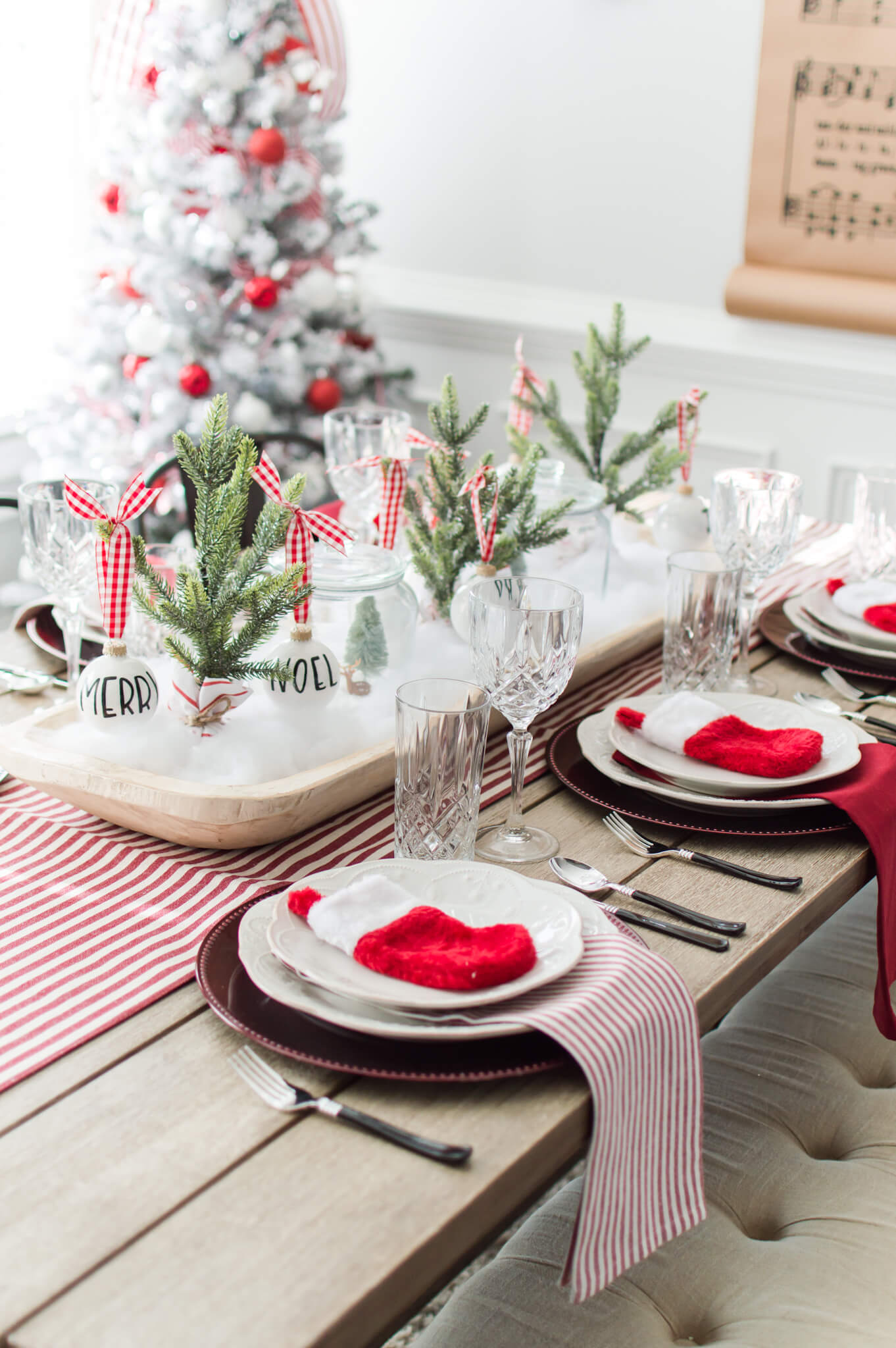 Red and White Christmas Tablescape + Table Setting Tips Video / A Hosting Home Blog