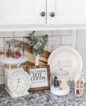DIY Snow Globes Made with Glass Jars / A Hosting Home Blog