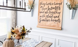 How To Transition into Fall Decor / A Hosting Home Blog