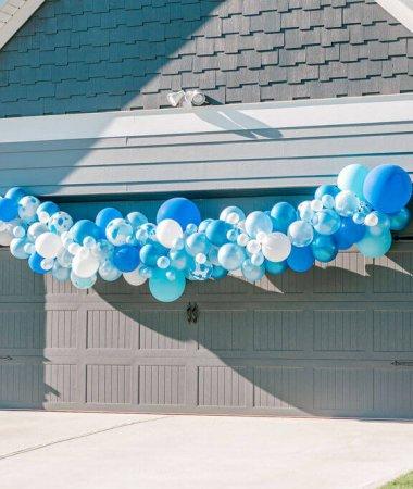 DIY Balloon Garland Tutorial / A Hosting Home Blog