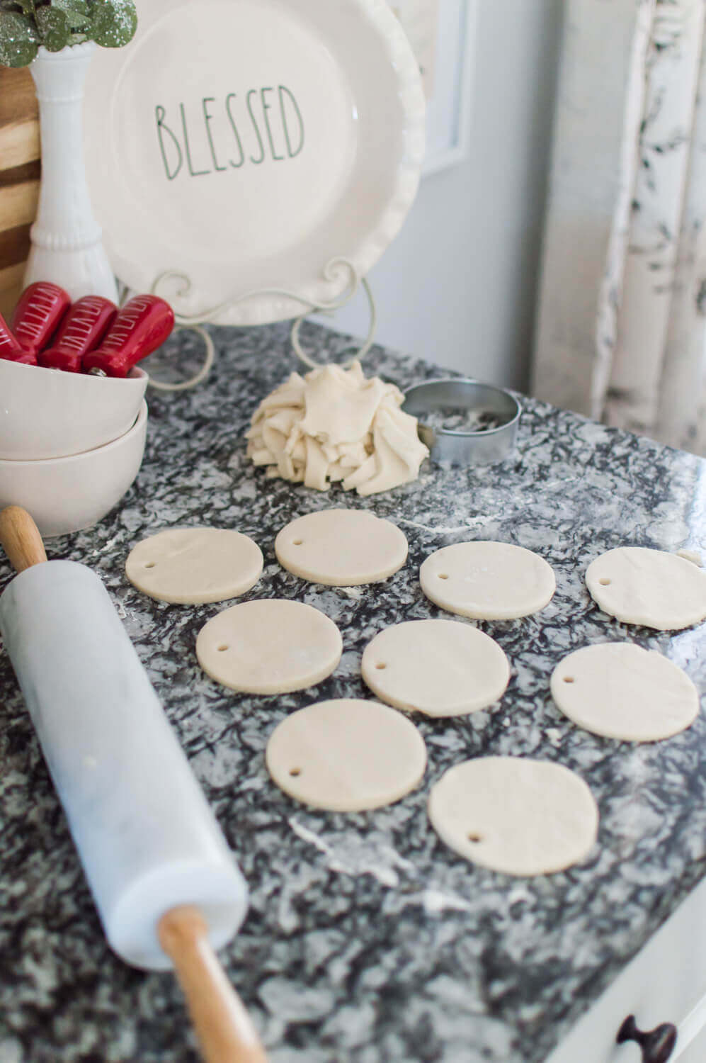 DIY Salt Dough Keepsake Ornaments / A Hosting Home Blog