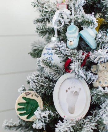 DIY Salt Dough Keepsake Ornaments / A Hosting Home Blog